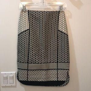 Jcrew size 00 black and cream pencil skirt.